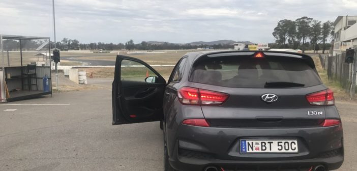 Hyundai i30 N On Track with Pro Racer