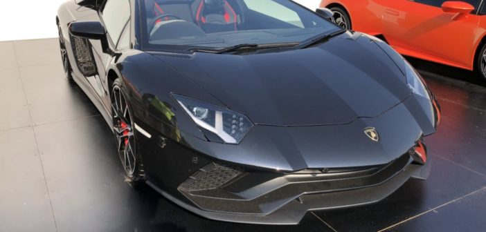 Lamborghini Aventador S Roadster – Exterior & Interior